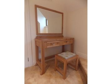 Solid Dressing Table Stool Mirror In Oak Pippy Oak
