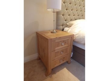 Solid Bedside Lockers Oak Pippy Oak